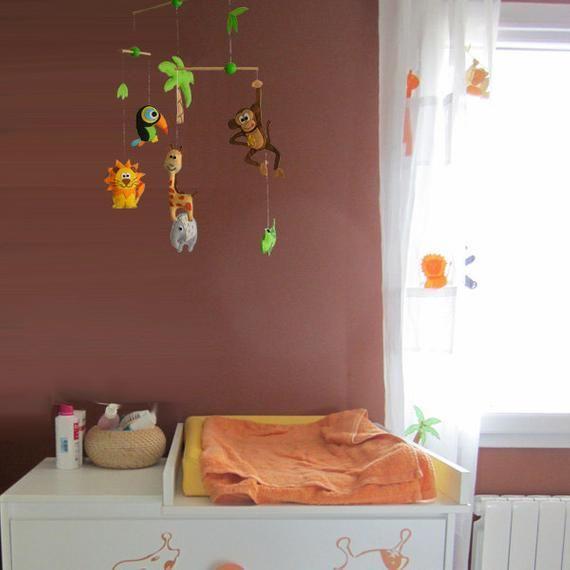 Schöne und poetische Dschungelsafari, Baby-Krippe-Deco-Mobile. Wählen Sie Ihre Farben für eine einzigartige Baby-Kinderzimmer-mobile