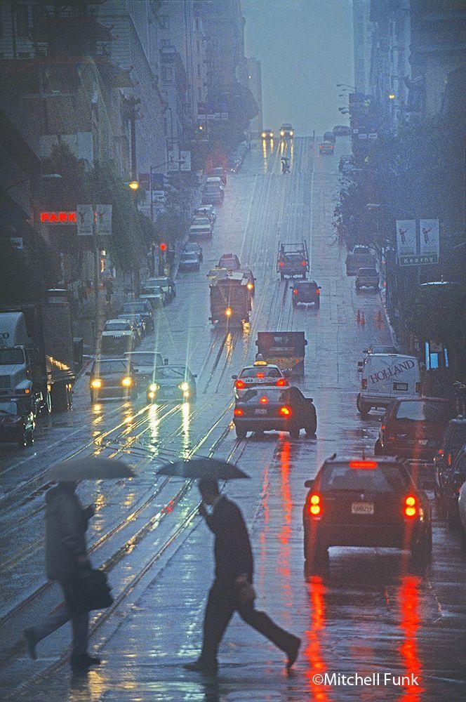 California Street On Rainy Day San Francisco By Mitchell Funk Www Mitchellfunk Com Sanfrancisco Baie De San Francisco Photographie Magnifique Sous La Pluie