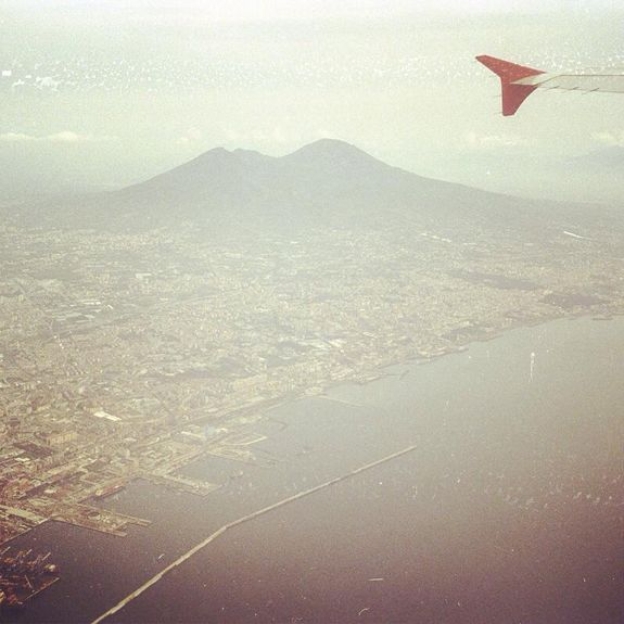 VEDINAPOLIEPOIVOLA, a corporate project by Irene Alison and me for Naples International Airport, has its official opening exhibition on June 19 at Naples International Airport. The exhibition will stay up during all the summer 2014. Hope you can have the chance to see it. Keep flying.