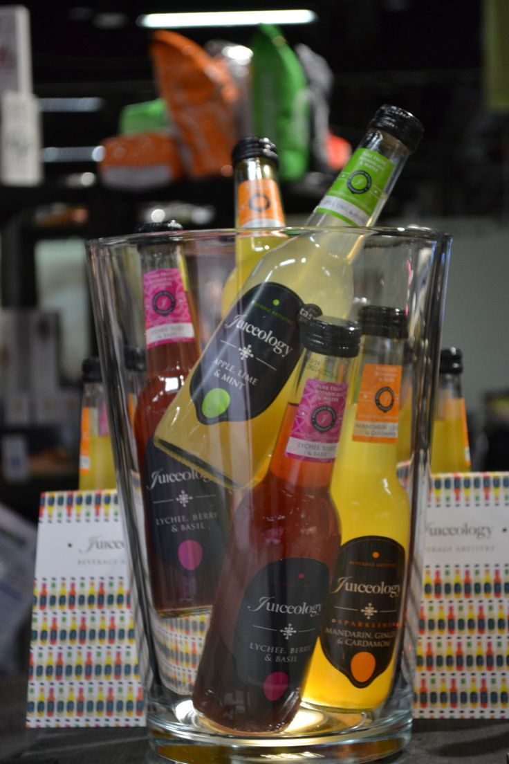 Juiceologys kryddiga och örtiga fruktjuice-drycker med mariatistel: http://beriksson.net/vara-varumarken/juiceology