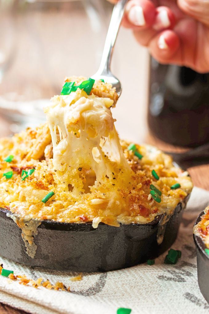 Creamy and gooey homemade macaroni and cheese with plenty of sweet Dungeness crab and plenty of Jarlsberg cheese.    #macandcheese #cheesypasta