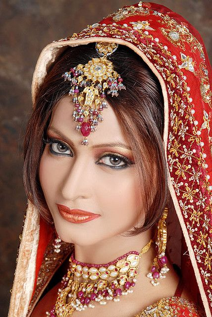The brides of the Eastern countries of the lovely planet, especially from Asia are famous around the world for their fascinating and traditional bridal.