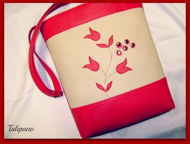 Piros-bézs tulipános táska