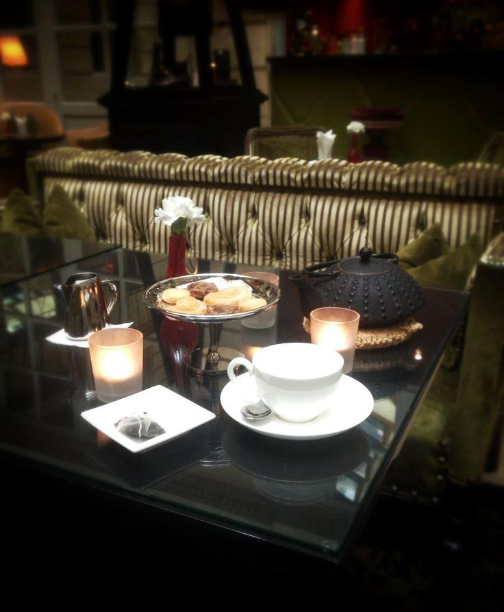 Le Tea-Time au bar du Grand Hôtel, un instant plus qu'ordinaire... #tea   #teatime   #ghbordeaux   #bar   #drink   #luxury   #hotel