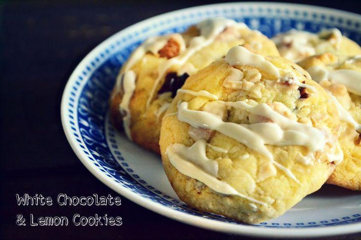 Πανεύκολα μπισκότα με λευκή σοκολάτα και άρωμα λεμονιού και δώρο το βιβλίο της Cookies της Sugar Buzz για να πάρετε τέλειες ιδέες για τα καλύτερα μπισκότα!