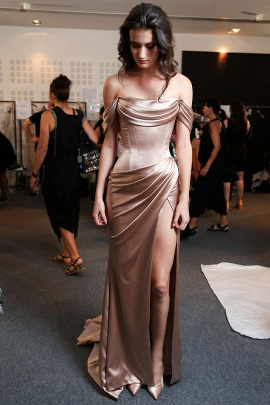 HER WAIST HOWW Ralph & Russo Haute Couture Fall/Winter 2015.Paris Fashion Week.