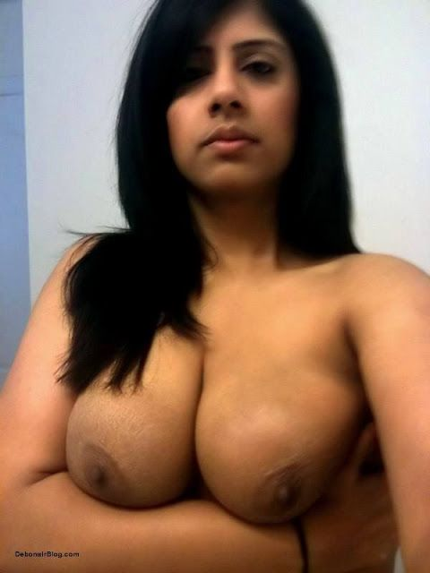 Indian girls showing big boobs
