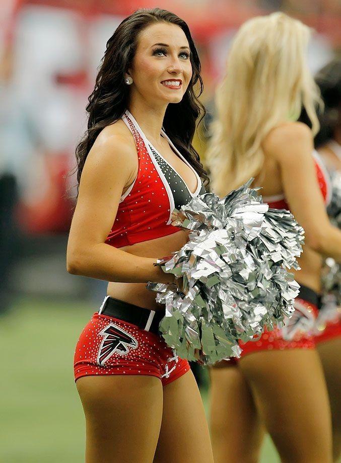 Atlanta Falcons Cheerleader Nfl Cheerleaders Atlanta Falcons Cheerleaders Cheerleading