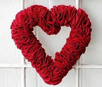 Valentine's felt heart wreath - so pretty!