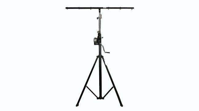 PL-566  - Altura Mínima  1.9m - Altura Máxima  4.3m - Carga Mínima  25kg - Carga Máxima  80kg  - Soporte de iluminación plegable y extensible - Liviano y fácil de usar - Incluye un cabestrante con autofreno que eleva cargas de hasta 80 kg a una altura de 4,3m. - La torre PL-566 está fabricada en acero para una mayor resistencia. - Acabado en color negro. - Incluye barral horizontal PL-570
