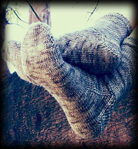 Wonder Knit Self Patterning Wool : 1000+ images about Knitting - socks on Pinterest Cable, Circular knitting n...