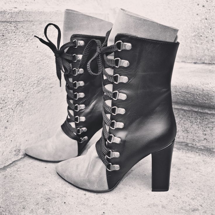 #the5thelementshoes #rosettishowroom #blackandwhite #wrapped #leather #boots #fallwinter