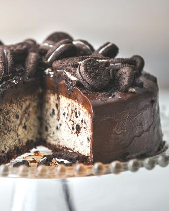 Cookies & Cream Cheesecake: A classic combination of chocolate cookies ...