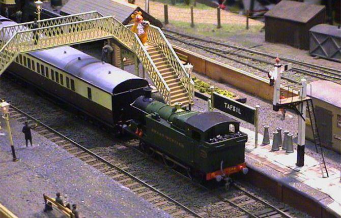 Pin by Adrian Matthews on Model Railways   Pinterest   Model train ...
