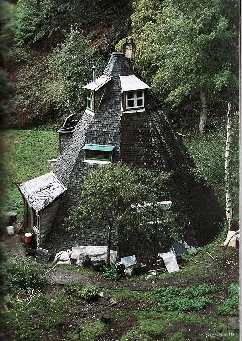 Teepee House: Black Hole, Witch Hats, Building, Dreams Home, Dreams Houses, Architecture, The Burrow, Little Cottages, Dreamhous