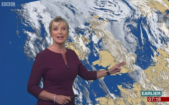 BBC Weather: Carol Kirkwood flaunts enviable curves in tight-fitting plum dress - http://buzznews.co.uk/bbc-weather-carol-kirkwood-flaunts-enviable-curves-in-tight-fitting-plum-dress -