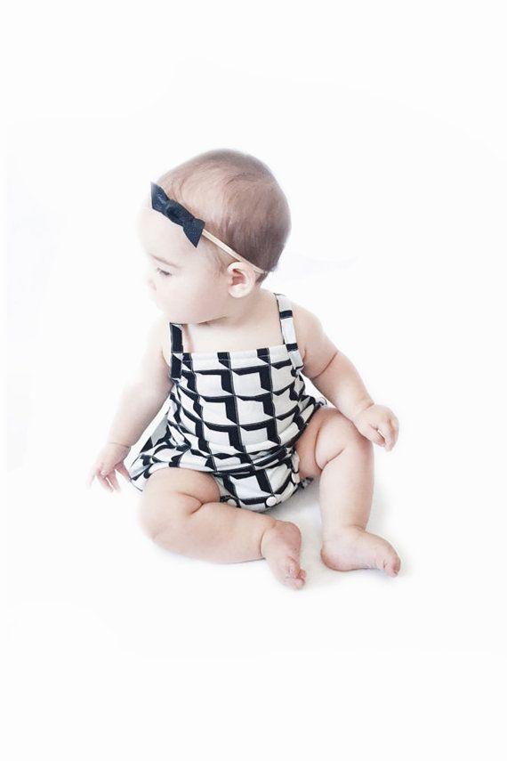 VENTA Geo Grid mameluco | mameluco del bebé, mono del bebé, mameluco negro, mameluco blanco, mameluco chicas, mono chicas, mono blanco, mono negro