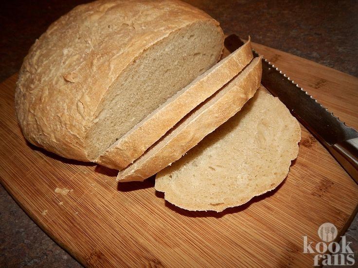 En het is ook nog eens lekker! Voor veel mensen is brood een dagelijkse kost. Hoewel het erg makkelijk is om een aantal broden in te slaan en deze in de vriezer te bewaren, is het veel lekkerder om het zelf te maken. Bovendien is het helemaal niet moeilijk om het in je Airfryer te maken en ook nog