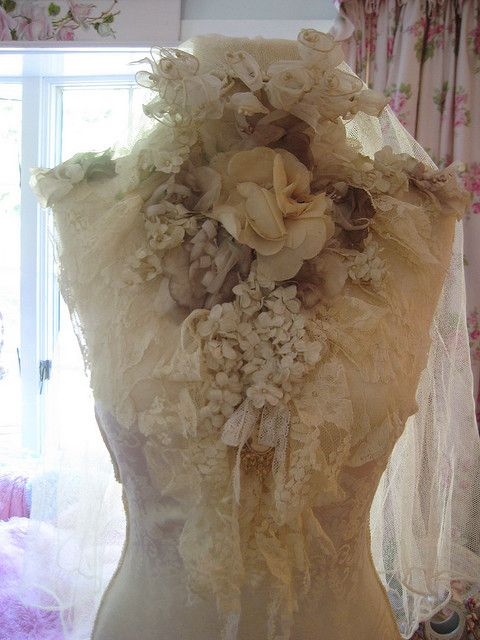 Dress Form.. very pretty...even though it has a lot going on.... it some how works.....