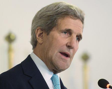 13日、パキスタンのイスラマバードで記者会見するケリー米国務長官(AFP=時事) ▼13Jan2015時事通信|対テロで連携強化=パキスタン首相と会談-米国務長官 http://www.jiji.com/jc/zc?k=201501/2015011300696 #John_Kerry