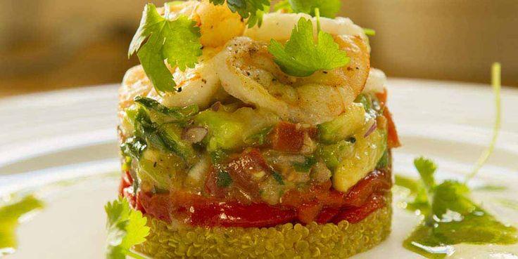 PRAWNS (shrimps) WITH QUINOA AND GUACAMOLE