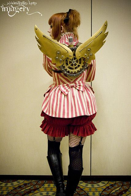 I love these steampunk wings! Great design.