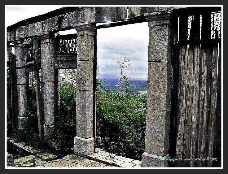 Ruins in Karytaina.