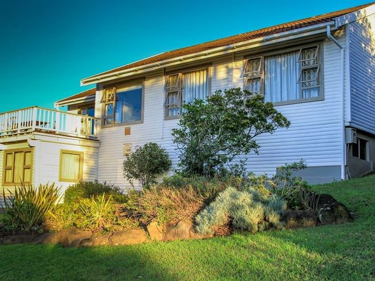 Log Home in Birha Beach Resort, Eastern Cape - Nestled between East London & Port Alfred, 90km's from EL is our beach home, only 700m walk to the beach.  Main house consists of open plan Dining Room, Kitchen & Lounge as well as 3 bedrooms(2 Double ... #weekendgetaways #eastlondon #sunshinecoast #southafrica