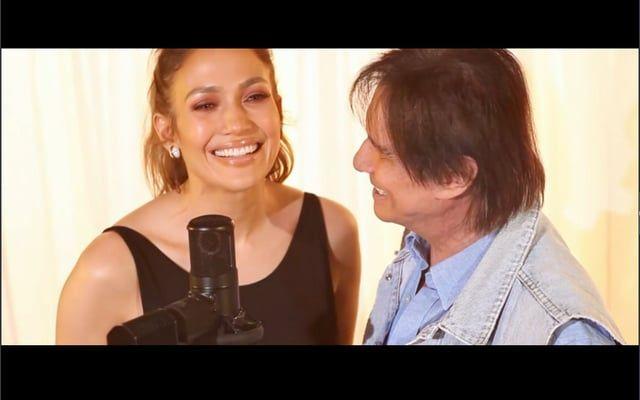 """""""Chegaste"""" foi originalmente composta pela cantora porto-riquenha Kany García. Roberto Carlos foi o responsável pela versão em português da canção.  O dueto ganhará também uma versão em espanhol. A nova gravação estará presente no próximo álbum de estúdio de JLo, ainda sem data de lançamento ou título definidos."""