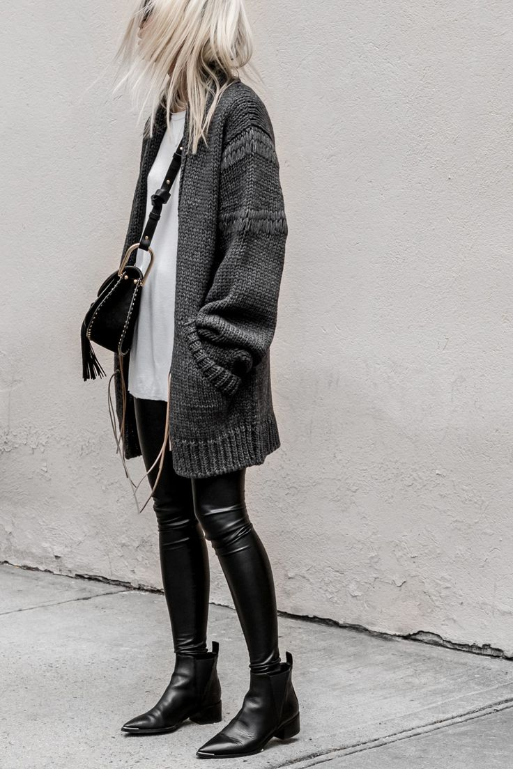 Oversized sweaters, white t-shirts and black leather booties.