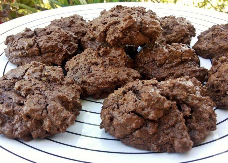 Μπισκότα σοκολάτας χωρίς αλεύρι, για να τα τρως χωρίς τύψεις! Μπορείτε να τα φάτε με λιγότερες ενοχές.