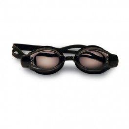 Gator High Minus Okulary Gator to rozwiązanie na zapytania o gotowe okulary pływackie z korekcją. Okulary bardzo popularne i często rekomendowane. Główne cechy okularów Gator to: możliwość doboru rożnych mocy soczewek dla obu oczu (odrębnie dla oka lewego i oka prawego), polikarbonowe zaciemnione soczewki z powłoką przeciw zarysowaniom i przeciw parowaniu Anti-Fog, 99% filtr przeciw promieniowaniu UV, silikonowe bardzo wygodne uszczelki oraz podwójna gumka zapobiegająca zsuwaniu się z głowy.