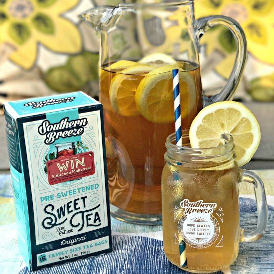 Sweet Tea Lemon Bourbon Cocktail is low-calorie and guilt-free with fresh lemon and bourbon whiskey perfect for summer gatherings and events