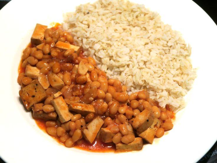 Fazole a tofu v rajčatové omáčce s rýží / Beans and tofu in tomato sauce with rice