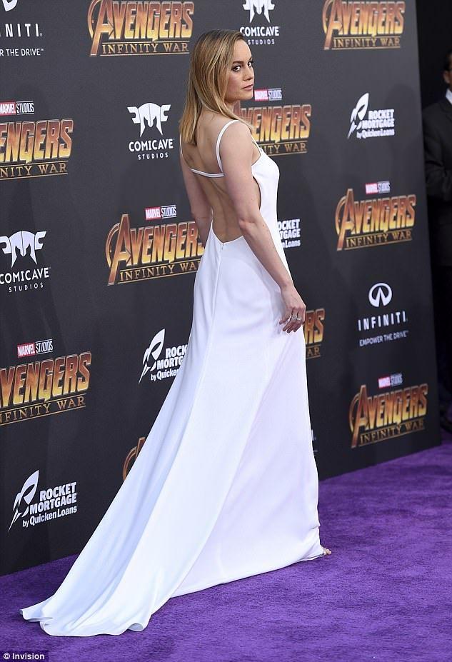 Elizabeth Olsen Leads Ladies At Avengers Infinity War Premiere Brie Larson Brie Celebs