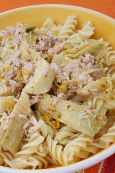 Italian Tuna Pasta Salad with Artichokes | Victoria Haneveer #pasta #salad #italian