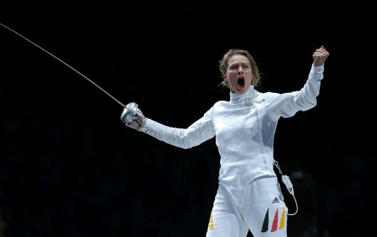 Olympics 2012: Britta Heidemann hat das deutsche Olympia-Team erlöst und die erste Medaille gewonnen: Heidemann sicherte sich im Degenfechten Silber. Im Finale musste sie sich Jana Schemjakina aus der Ukraine geschlagen gegeben.