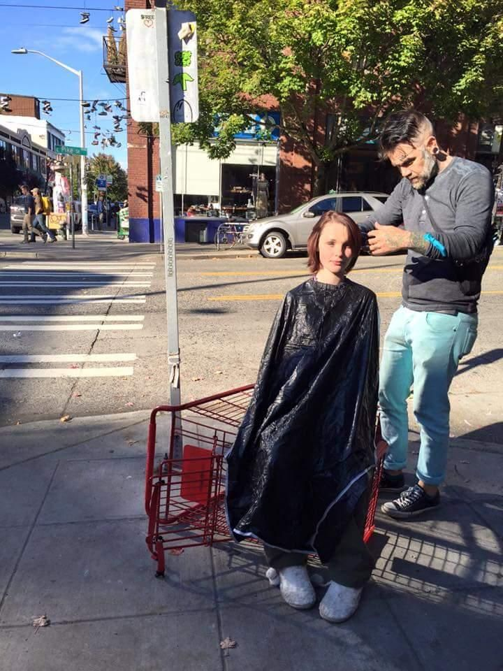 Helping The Homeless One Head At A Time Helping The Homeless Free Haircut Homeless