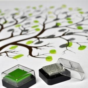 'Árvore' com impressões digitais substitui o livro de assinaturas