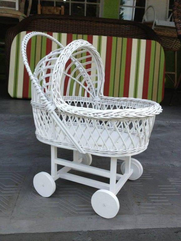 Damas e pajens bebês no carrinho