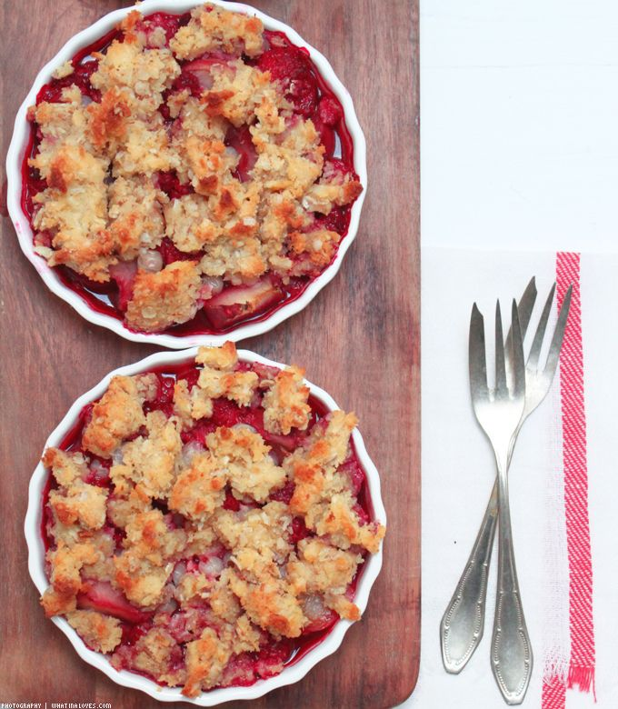 ...what Ina loves  ❤    : Fruchtiger Sommer-Crumble in der Low Carb Variante