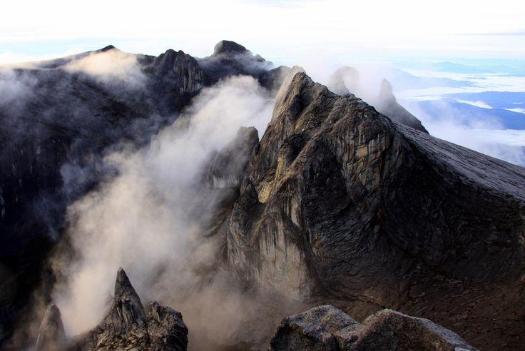 マレーシア・キナバル山(flickr)