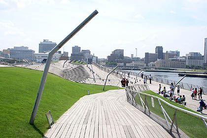 横浜港大さん橋国際客船ターミナル   建築とランドスケープ:地上の楽園を求める旅