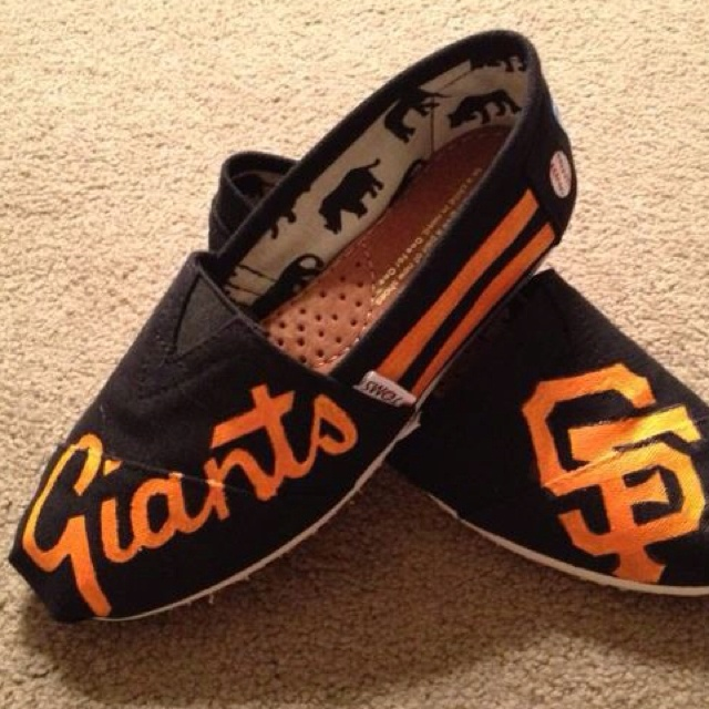 SF Giants!!! Toms, cuuute! Monday's the big game!: Sfgiant, Sf Giant Shoes, Cute Shoes, Toms Shoes, Custom Toms, San Francisco Giant, New Shoes, Baseb Toms, Giant Toms