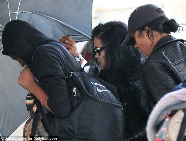 Liza Morales and her two children with Lamar Odom left New York for Las Vegas this evening...