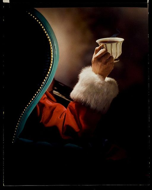 For those times when jolly Old St. Nick needs something a little warmer than milk and cookies. #Santa #Christmas #vintage #photo #1950s #fifties #ad #tea