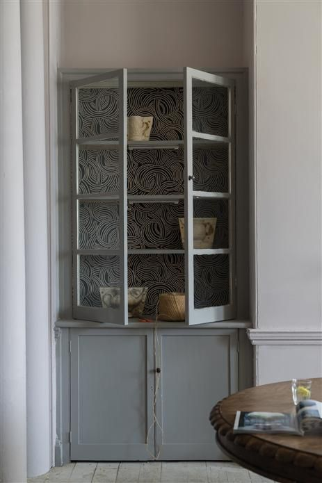 Farrow & Ball Worsted 284 - Cupboard painted in Worsted