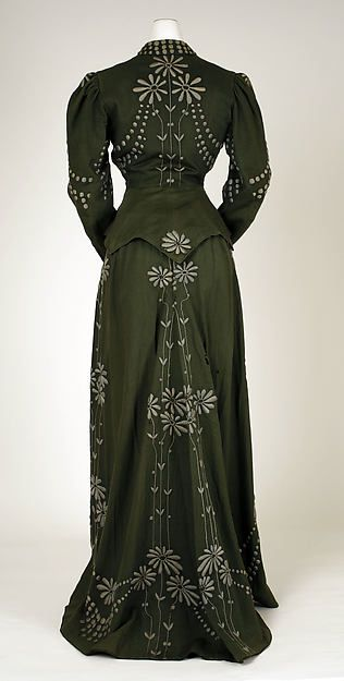 Dress - Dress Designer: M. Schiff Date: 1901–3 Culture: American Medium: wool Dimensions: Length at CB (a): 24 3/4 in. (62.9 cm) Length at CB (b): 47 1/2 in. (120.7 cm) Credit Line: Gift of Saidie E. Scudder, 1995