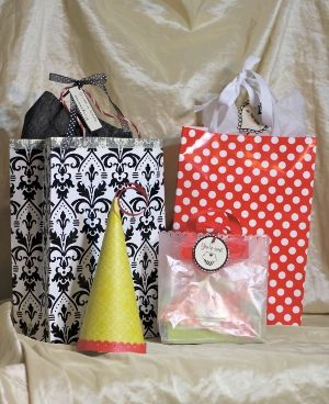 how to make a bag out of wrapping paper meredith