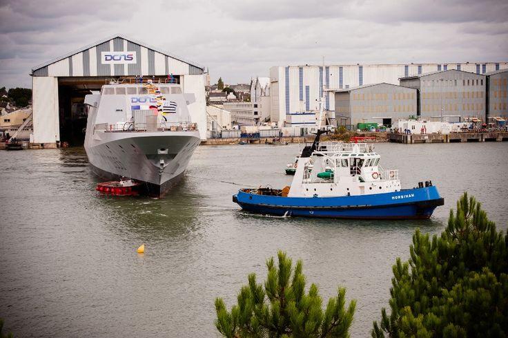 El 16 de septiembre de 2016, DCNS flotó la FRMM FREMM Bretagne en Lorient, Francia. El logro de este hito industrial marca un paso importante en la construcción del buque. Una vez más, subraya el dinamismo de DCNS y su capacidad para entregar seis fragatas FREMM a la Armada francesa antes de mediados de 2019, de conformidad con la Ley de Programación Militar